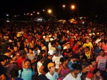 Carnaval-de-rua-em-Ariquemes-em-2013-foto-divulgação