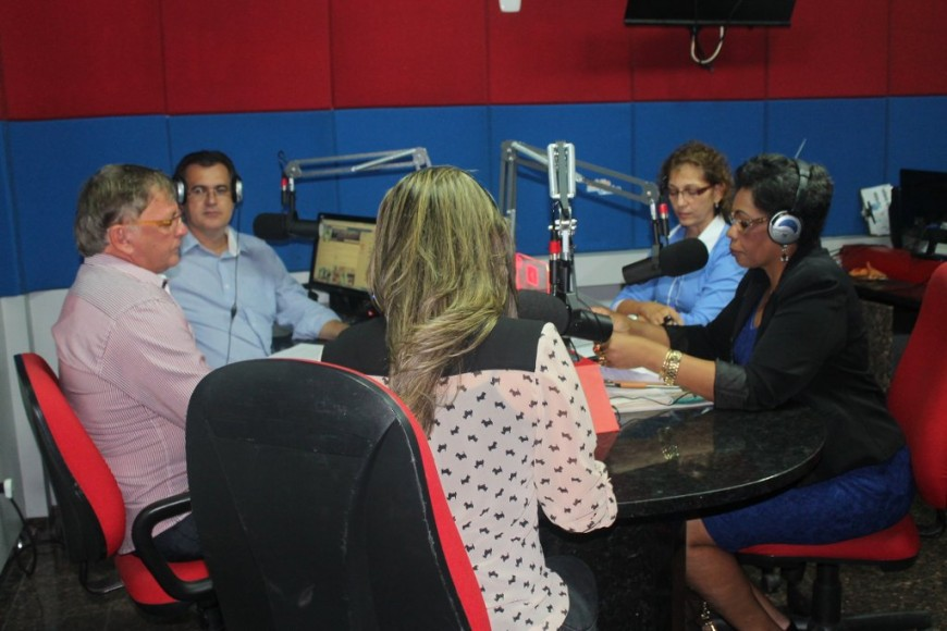 IMG_3888-entrevista-na-rádio-4-2-14_1024x683