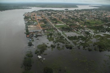 Enchentes isolaram municípios como Guajará e Nova Mamoré