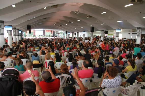Mais de 13 mil pessoas acompanharam o sorteio das casas