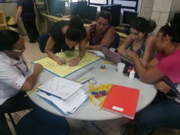 Orientadores de estudo realizaram atividades práticas sobre matemática durante o seminário