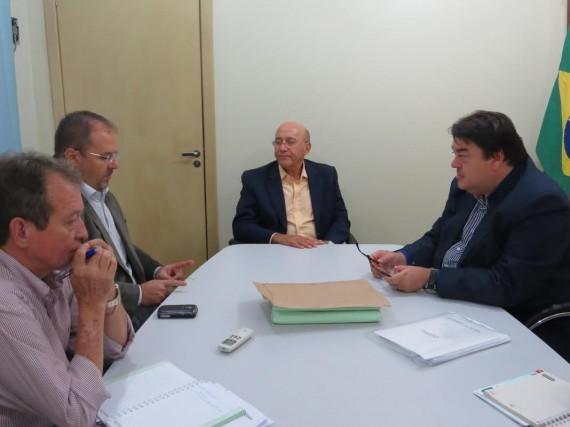 Governador Confúcio Moura tem reunião com secretário e anuncia cirurgias bariátricas