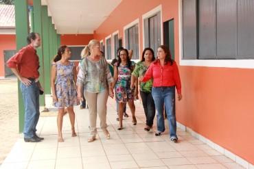 Secretária Fátima Gavioli assinará a ordem de serviço para a construção da quadra na Escola Estadual Jorge Vicente Salazar, em Porto Velho
