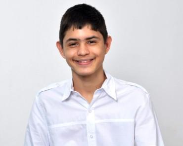 Leonardo conquistou o primeiro lugar na fase nacional do concurso de cartas