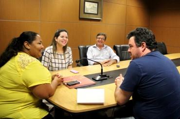 Reunião com vereadora Ana Negreiros tratou sobre construção de novo prédio da Escola N.S. do Amparo, em Porto Velho
