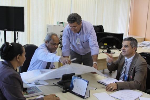 Coronel Caetano, diretor do DER, em reunião no Dnit, em Brasília
