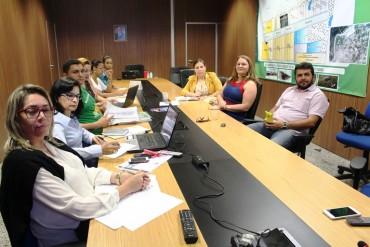 Participantes da reunião referente ao cadastramento das famílias em Seringueiras