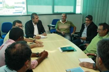 Conselheiros do Conede em reunião na Secel