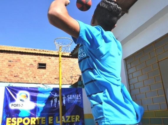 Adolescente em prática esportiva