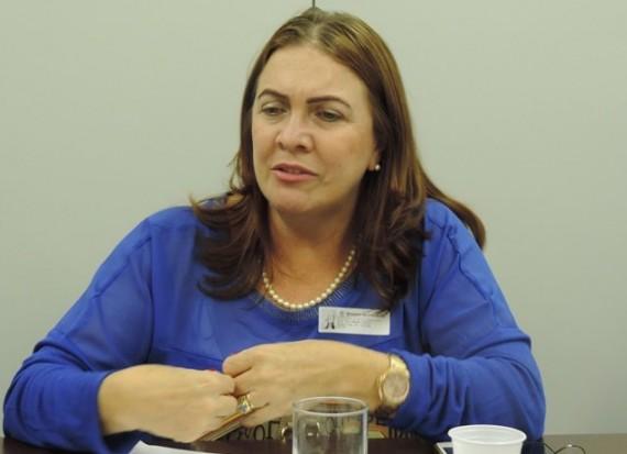 Secretária Fátima Gavioli
