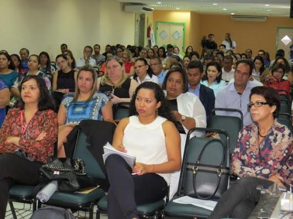 Mais de 100 técnicos de todos os setores da Saúde participam da oficina