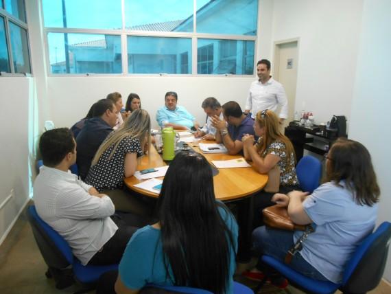 Secretários Pimentel e Maiorquim reuniram-se com equipes em Cacoal