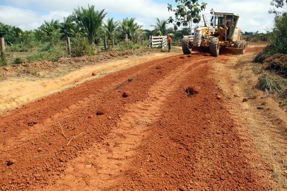 Agnaldo Antônio da Costa  diz que antes da chegada do DER, havia mais de 20 anos que a estrada não era recuperada