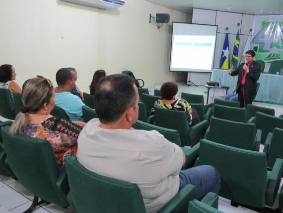 Servidores da Sesau participam da palestra promovida pelo Iperon