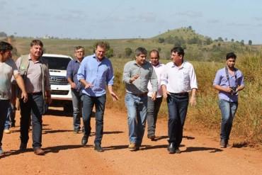 Diretores, engenheiros e empresários percorreram toda a extensão da rodovia