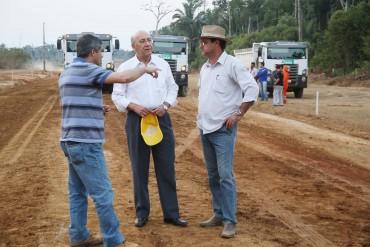 Diretor Lioberto Caetano, governador Confúcio e o residente José Soares