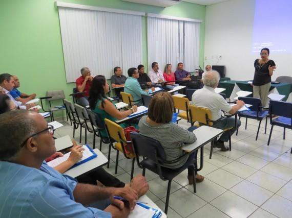 Técnicos das regionais de Saúde receberam treinamento para vigilância sentinela