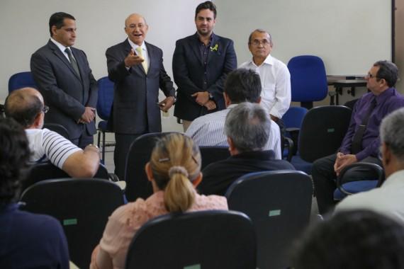 Confúcio Moura elogia peritos criminais de Rondônia