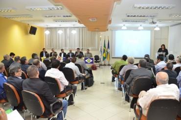 Fórum reuniu empresários governo