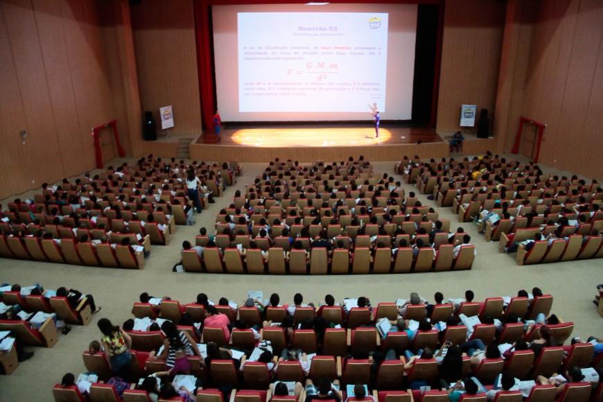 """Quase mil alunos participaram do """"Aulão Mais Enem"""""""