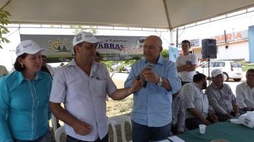 Confúcio entregou ao prefeito Gerson o Cartão mais Calcário