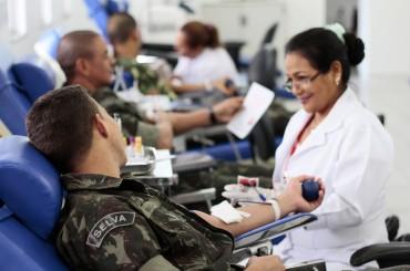 Doação de sangue_Exército_Fhemeron_22.10.15_Foto_Daiane Mendonça (3)