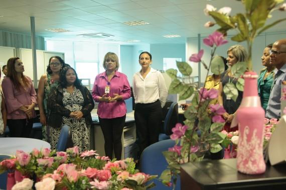 Secretária Valdenice, gerente de Políticas para Mulher Oneti e a adjunta Marionete explicam campnha  Sana