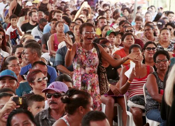 Cerca de 2 mil pessoas participaram da cerimônia de entrega nas chaves das unidades