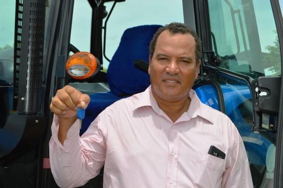 Em 2016 o produtor rural Vasconcelos Teixeira Helena, de São Francisco do Guaporé aproveitou e comprou um trator.