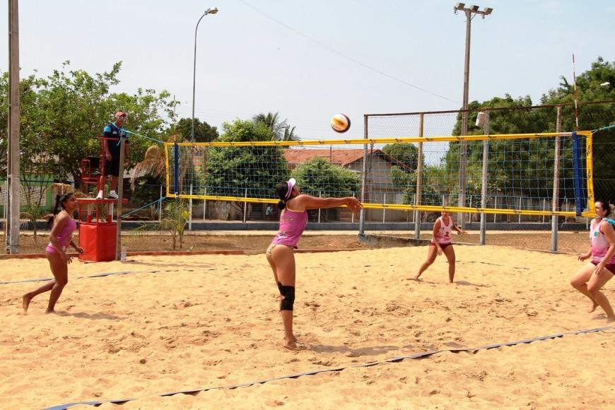 Vôlei de praia foi uma das modalidades disputadas no final de semana