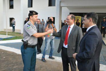 Vice-governador Daniel Pereira na entrega dos veículos