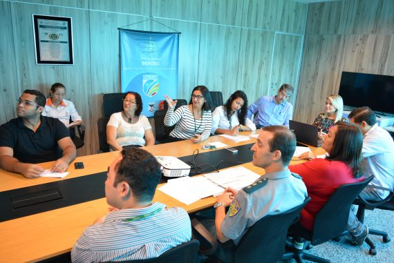 Representantes de vários órgãos do estado participaram da reunião