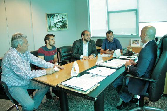 Professor Walter, vereador Rafael, deputado Laerte e prefeito Charles pedem apoio ao secretário chefe da Casa Civil, Emerson Castro