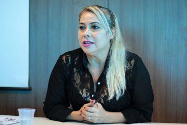 A advogada do Creas Mulher fala sobre combate a violência doméstica