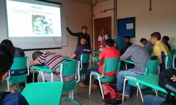Ciclo de palestras realizado pela PM/RO em escolas