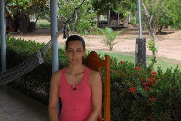 Clenice Silva afirmou que os moradores atravessavam o rio em bote