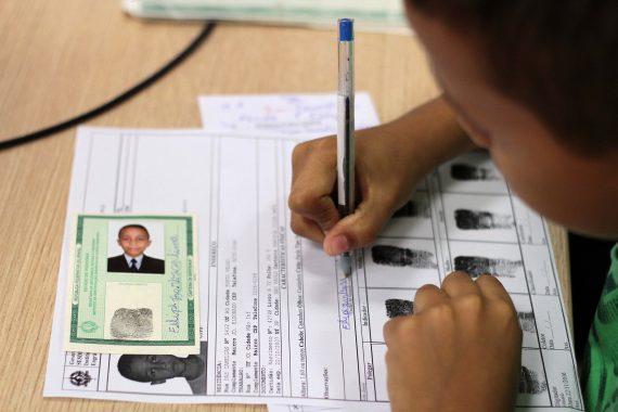 """Felipe Lima, 9 anos: """"Pareço gente grande"""","""