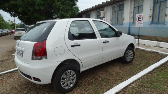 O carro para fins administrativo é um Fiat Palio 1.0, no valor de R$ 45.000,00