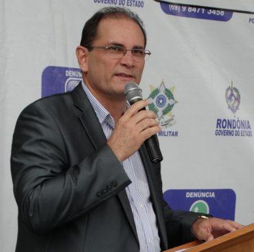 O vice-governador Daniel Pereira agradeceu a cada uma das pessoas, que ao longo do ano de 2016, trabalharam pela segurança pública do Estado.