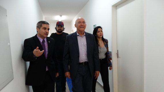Governador Confúcio e o secretário Caetano percorreram o prédio da Unisp