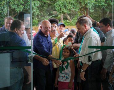 A Unidade Básica de Saúde Antônio Elias Teixeira foi inaugurada com equipamentos modernos e médico admirado pelos moradores