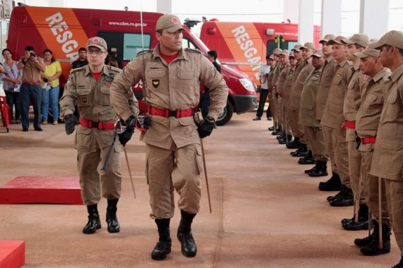 Capitão Alan Fabrício assume comando do 1° Grupamento