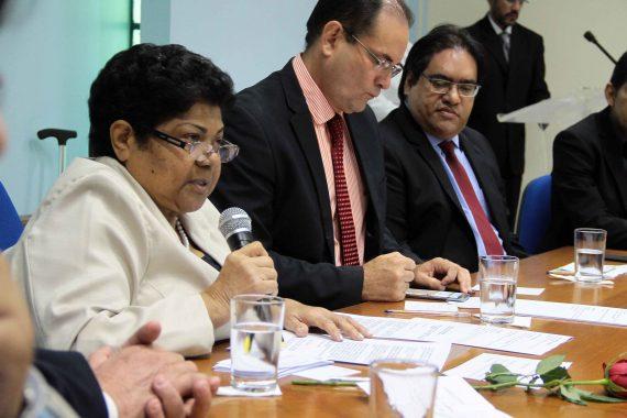 O vice-governador Daniel Pereira enalteceu a figura da professora Francisca Batista, durante a posse no CEE
