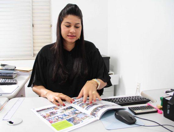 Especial dia das Mulheres_Andréia-gerente do banco do povo_08.03.17_Foto_Daiane Mendonça (1)