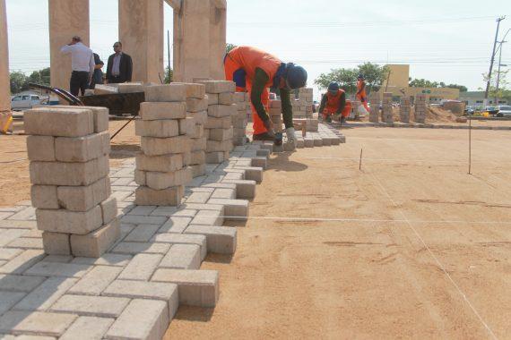 """""""Pavers"""" são peças pré-moldadas de concreto destinadas à pavimentação"""