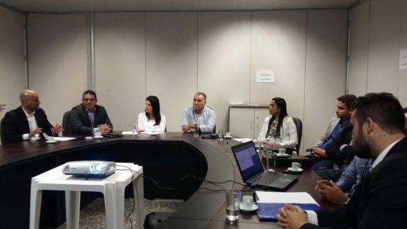 Emerson Castro e o controlador Francisco Netto em reunião com os prefeitos Jesualdo, Juliana e Glaucione