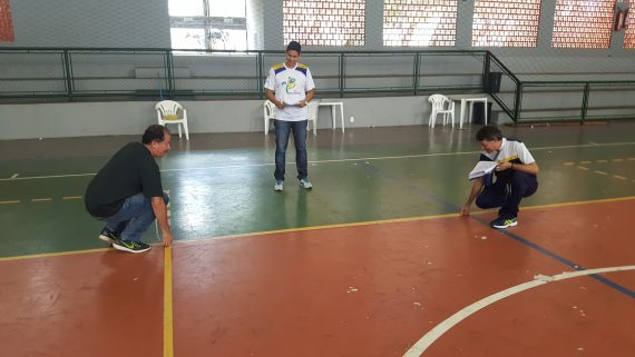 O chefe do Núcleo de Esporte Escolar, professor Expedito Santana, e o técnico Ascânio Marcos fizeram vistorias nas quadras, ginásios e estádios onde ocorrerão os jogos
