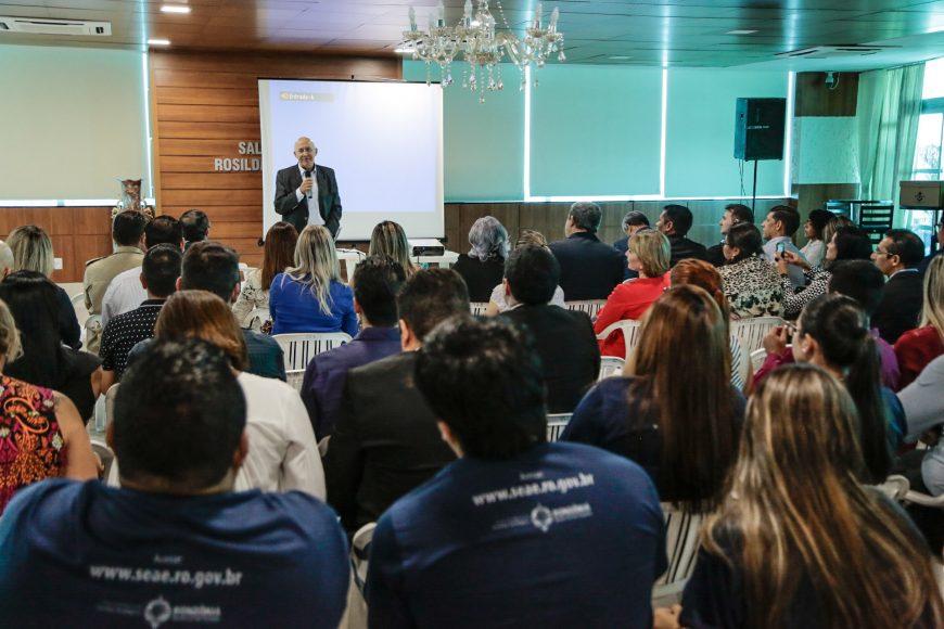 Confúcio Moura agradeceu pela dedicação dos diretores executivos e pediu empenho no tempo que resta de governo