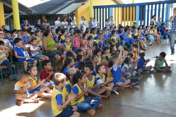 BOA NOTÍCIA - Mais de 100 crianças passaram pela triagem na Escola Maria Izaura