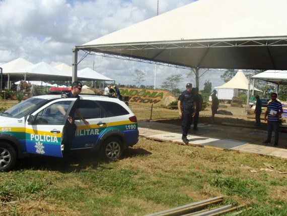 Viatura e policiais foram disponibilizados para o espaço da feita a 11 quilômetros do centro de Ji-Paraná